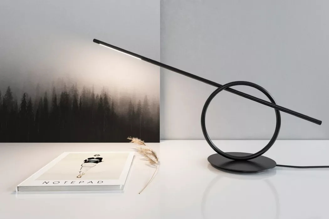 一个自带平衡物的节点灯